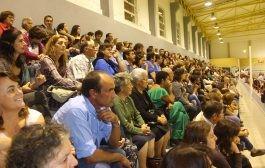 Pavilhão lotado no Dia do Diploma (c/fotos)