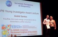 André Santos recebe prémio de melhor investigador