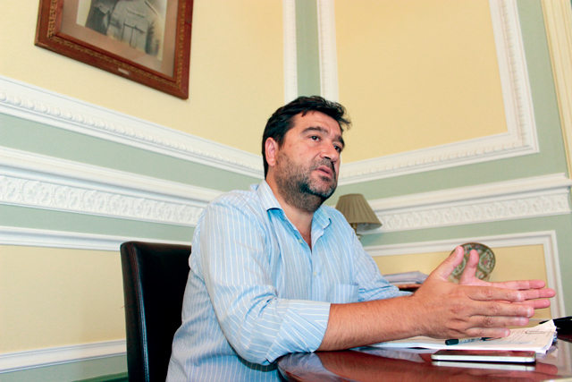 Fecho CTT: Mário Pereira acusa governo de não servir as populações
