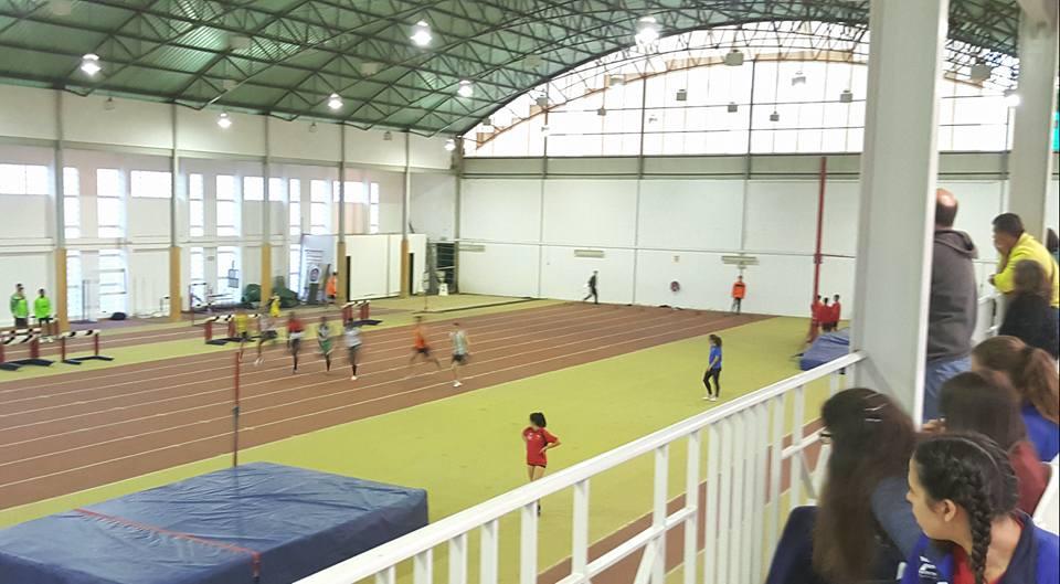 Mais de 100 atletas no Torneio de Abertura em Pista Coberta